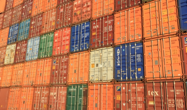 contenedores en terminal